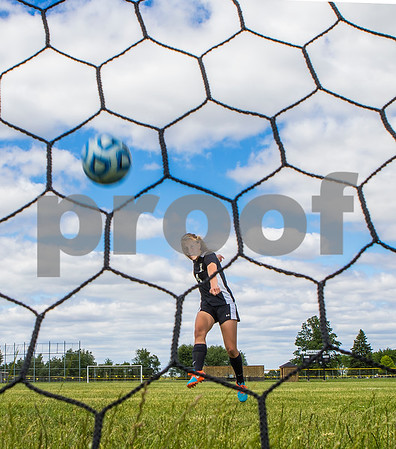dspts_Cover_adv_SoccerPOY_EllaHolland