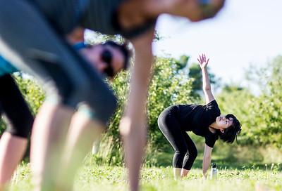 hnews_adv_yoga1.jpg