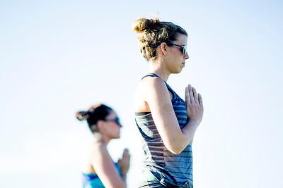 hnews_adv_yoga2.jpg