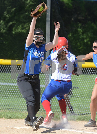 Glenbard South softball and Wheaton St. Francis softballmet up in a Class 3A softball regional semifinal