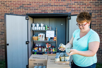 hnews_tue0606_Little_Food_Pantry_01.jpg