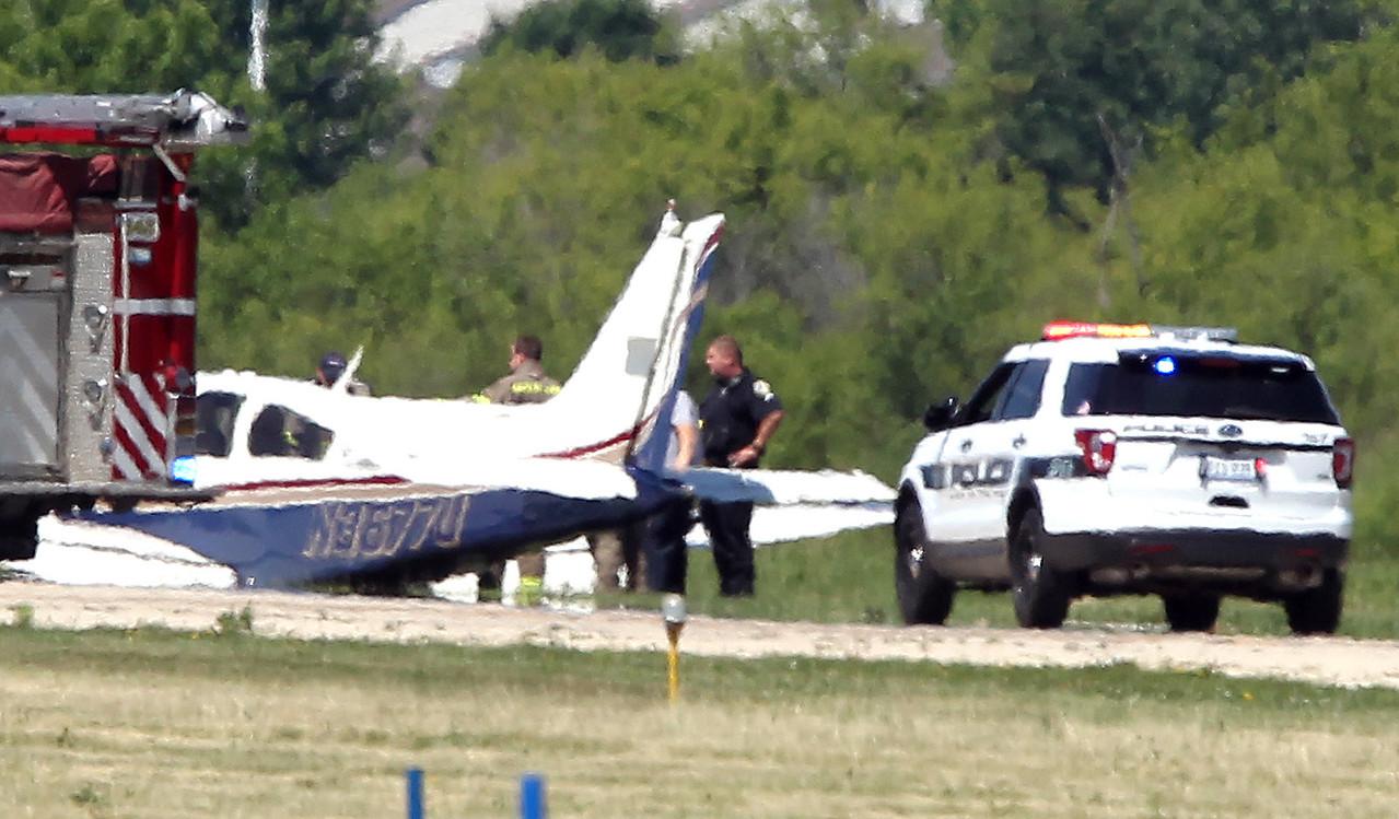 hnews_fri609_plane_down