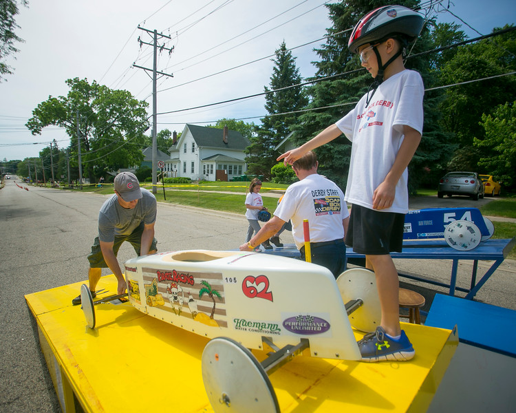 hnews_sun611_soap_box_derby_3.JPG