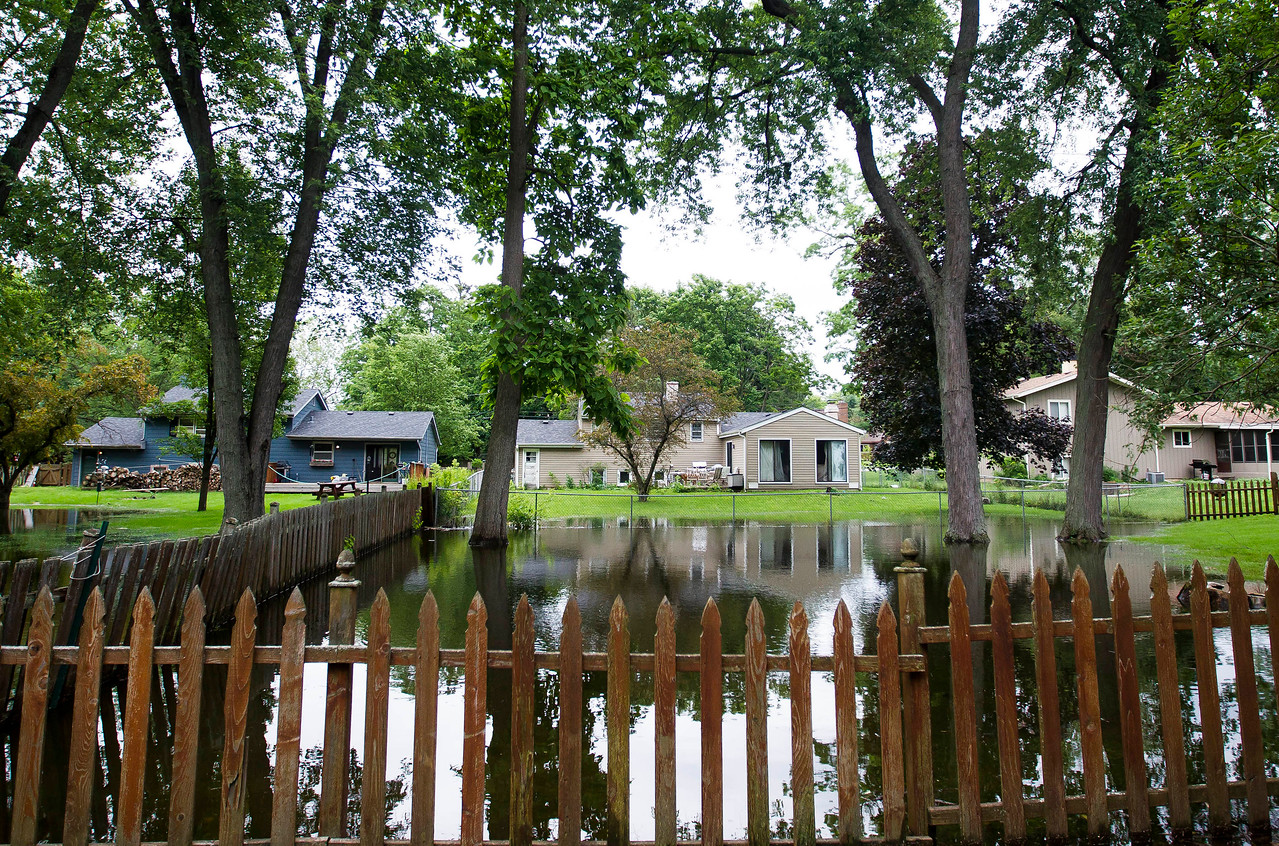hnews_fri0630_Backyard_Flooding_03.jpg
