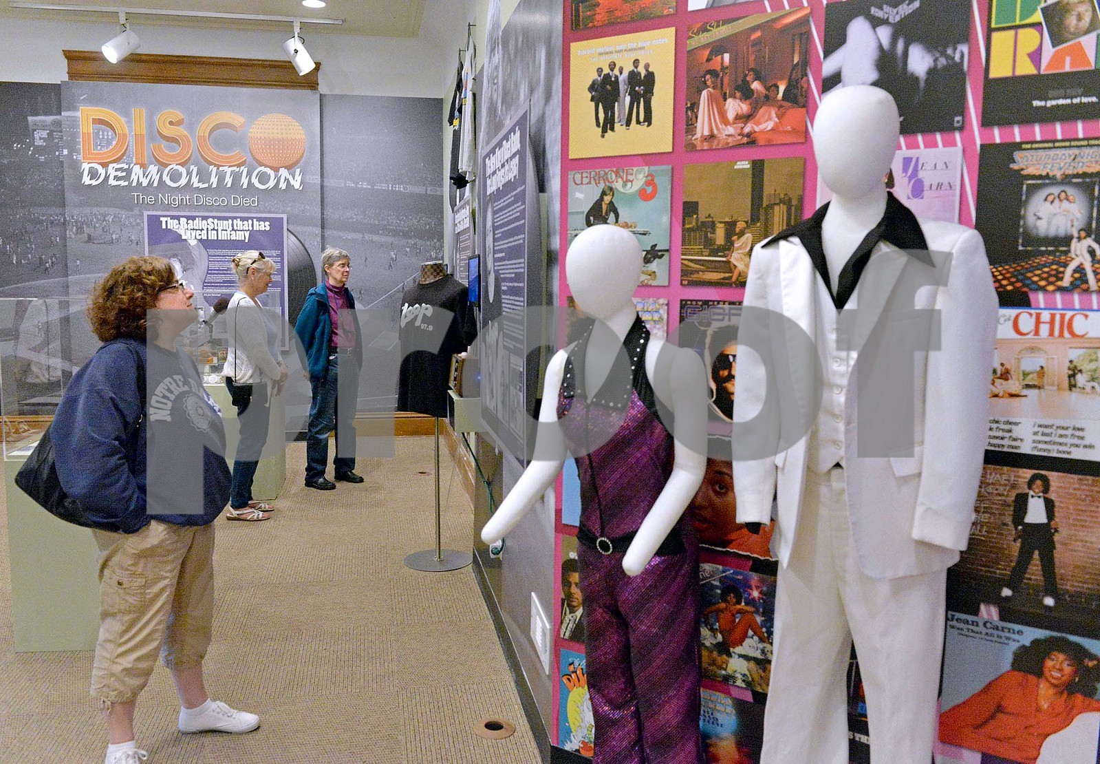 lnews-Gallery-DiscoDemolition03-0630-EHP