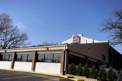 Sarah Nader - snader@shawmedia.com The Best Western located at 990 Lake Avenue in Woodstock opened on February 19th after 10 months of renovations. The owner Henry Patel also owns three Armanetti's Beverage locations and a couple  convenience stores in Illinois and Wisconsin.