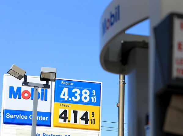 Sandy Bressner - sbressner@shawmedia.com<br /> Prices for 87-octane fuel hit $4.38 at the Mobil Station on Batavia Avenue in Batavia Wednesday afternoon.