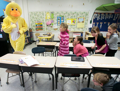 hnews_sat0322_duck_teacher03