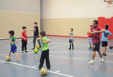 lnews-SoccerPractice03-0403-ADP
