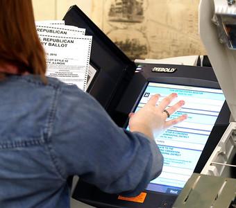 hnews_adv_voting_machines_COVER