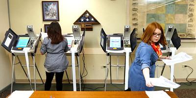 hnews_adv_voting_machines1