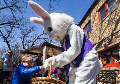 hnews_adv_Easter_Egg9.jpg