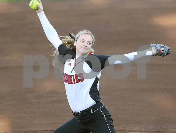 dspts_2_0402_NIUSoftball