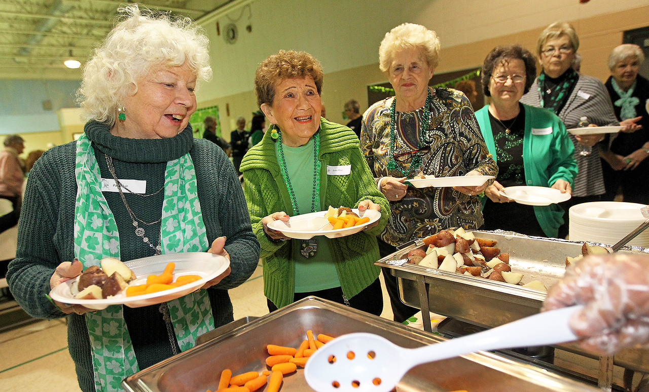 LCJ_316_StPats_Senior_LunchB
