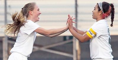 LCJ_0323_GlkC_Girls_SoccerH