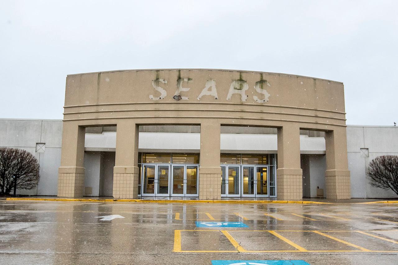 hnews_adv_Sears_Closing.jpg