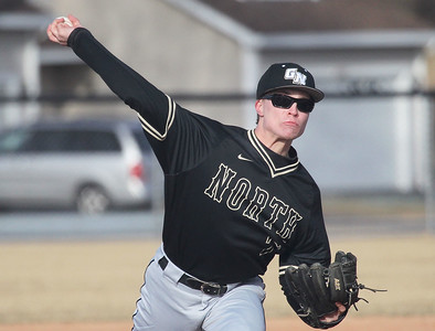 Candace H. Johnson-For Shaw Media Grayslake North's Nate Marshall delivers a pitch against Warren in the third quarter at Warren Township High School in Gurnee. Warren won 5-1.(3/19/18)