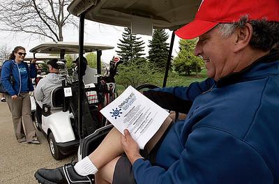 hnews_tue507_nfl_golf