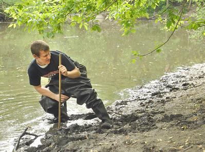 Hinsdale Central students survey Salt Creek watershed