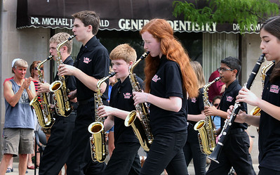 Jeff Krage – For Shaw Media The Barrington Middle School marching band performs as it heads west on Main Street during Monday's Memorial Day parade. Barrington 5/26/14