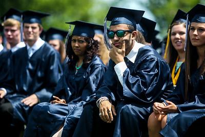 hnws_sun0601_CG_Graduation6.jpg