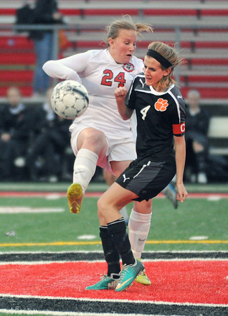Wheaton Warrenville South at Glenbard E girls soccer