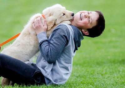 hnews_adv_Puppy_Kiss.jpg