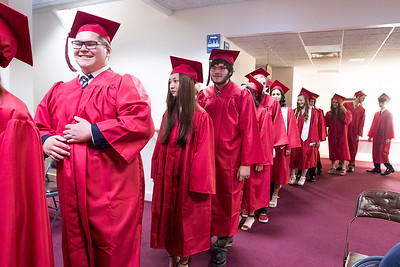 hnews_sun0522_Faith__Graduation4.jpg