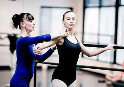 hstyle_adv_Ballet_Teacher3.jpg