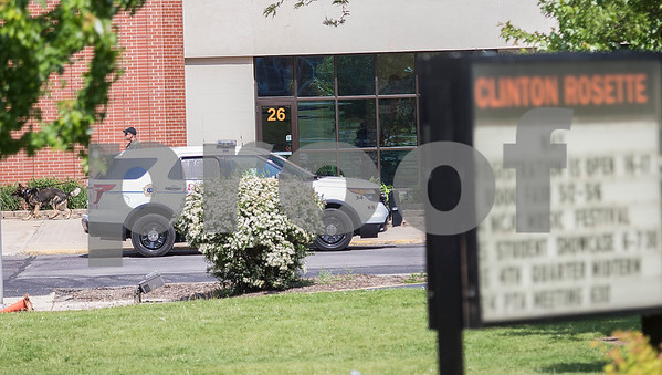 dnews_1_0524_ClintonRosetteBombThreat