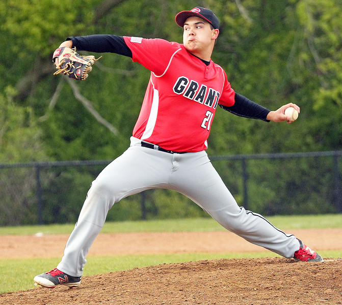 LCJ_0511_GlkN_Grant_BaseballH