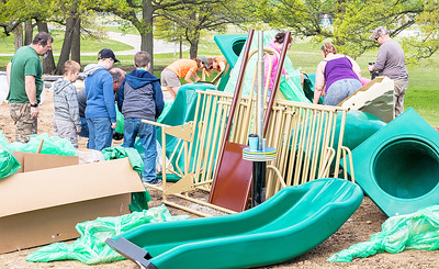 hnews_adv_mar_oaks_playground05
