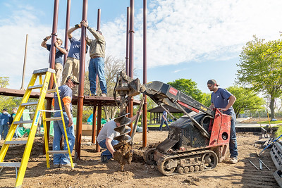 hnews_adv_mar_oaks_playground03