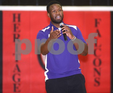 Kyle Prater visits Heritage Middle school in Berwyn