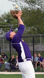 Candace H. Johnson-For Shaw Media Wauconda's Jake Harmon makes a catch against Grant in the fifth inning at Grant Community High School in Fox Lake. Wauconda won 9-3.