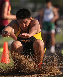 hspts_0516_Boys_Track_07