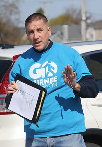 Candace H. Johnson-For Shaw Media Quin O' Brien, of Gurnee, volunteer Walking Club leader, gives directions at the start of the Go Gurnee Walk at 1821 N. Dilleys Road in Gurnee. The Go Gurnee Walk is presented by the Gurnee Park District. The free walks are scheduled at different locations every Saturday from 9:30-11:00 am. The next walk will be on Saturday, May 11th, at 9:30 am at Illinois Beach State Park. (5/4/19)