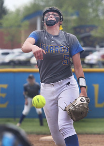 Candace H. Johnson-For Shaw Media Warren's Caitlyn Britton delivers a pitch against Grayslake North in the third inning during the Class 4A regional final at Warren Township  High School. Warren won 4-1. (5/25/19)