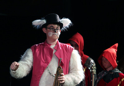 "Jeff Krage – For Shaw Media The White Rabbit, played by Graeme Mahon, acts out a scene during Prairie Middle School's presentation of ""Alice in Wonderland"" on Friday.  Barrington 11/1/13"