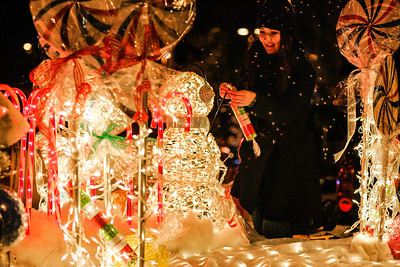 Christmas Parade (LG)
