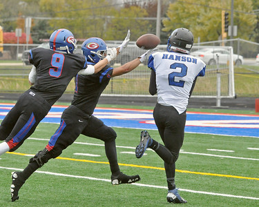 Glenbard South advances in 5A football