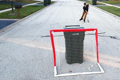 hnews_thu1105_street_hockey