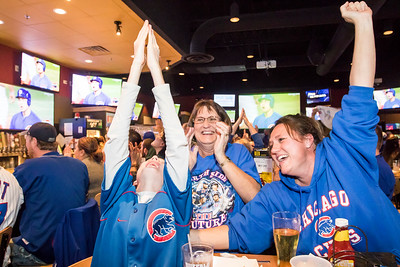 hnews_thur1103_Cubs_Game_03.jpg