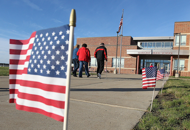 hnews_sun1113_Marlowe_veterans_flags