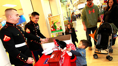 LCJ_1124_GurneeM_Toys_For_Tots_D