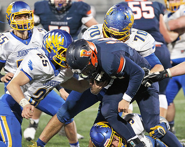 hspts_sat1126_fball_state_jburg_defense