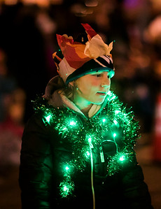 hnews_sat1126_Festival_Lights_02.jpg
