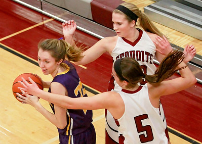 Candace H. Johnson-For Shaw Media Wauconda's Sydney Pikel looks to pass against Antioch's Megan Kelly and Amy Reiser in the fourth quarter at Antioch Community High School.