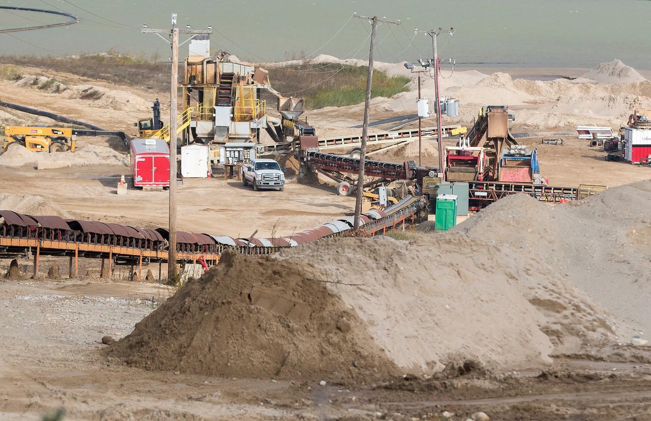 hnews_fri1110_Cary_Mining_Pit_01.jpg