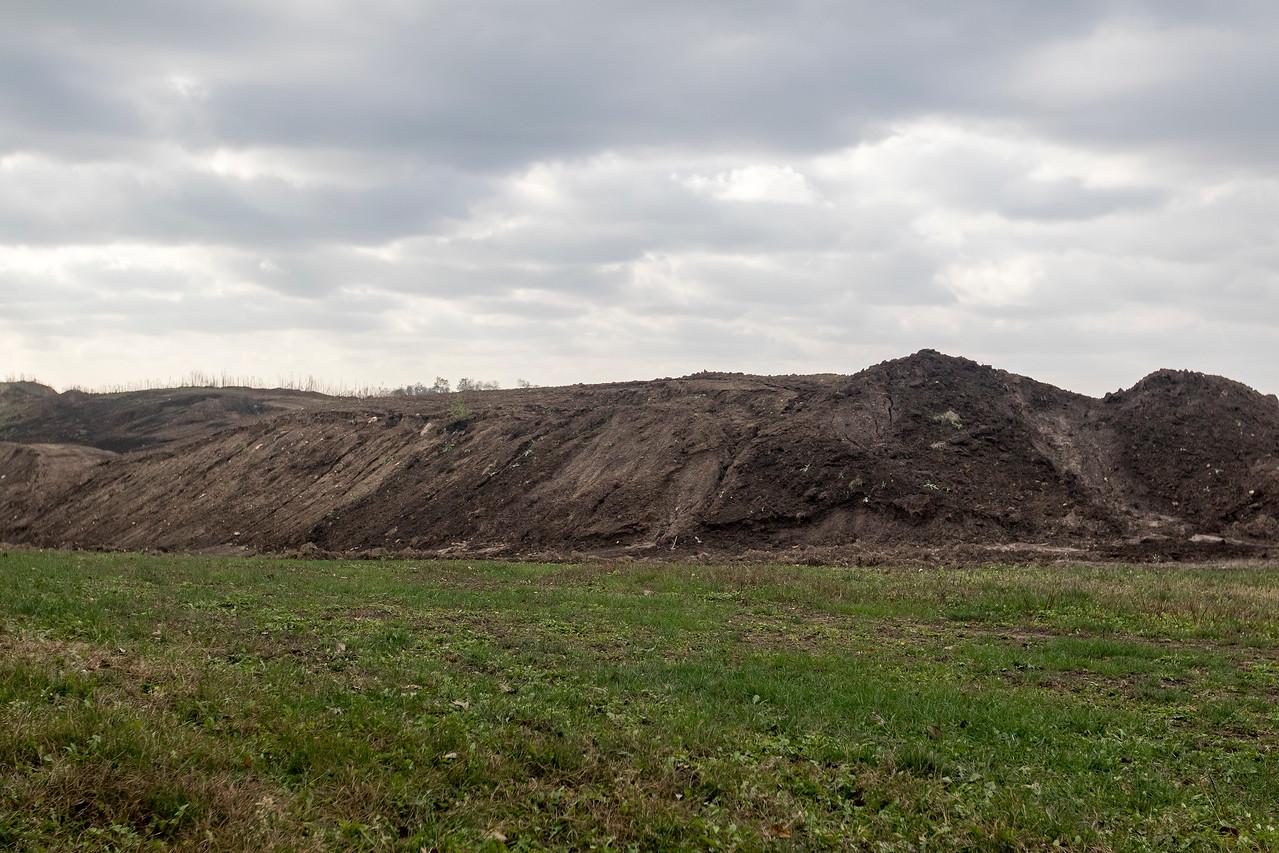 hnews_fri1110_Cary_Mining_Pit_04.jpg